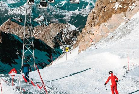 skii slopes - using hands free technology to speed up entry and exit into events, concerts, activites through RFID usage